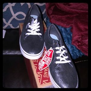 NWT Vans off the wall women's 7.5